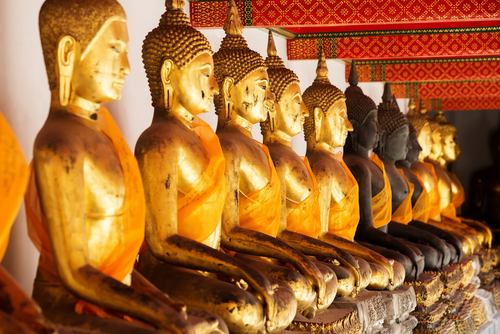 Rząd posągów Buddy Wat Pho Bangkok