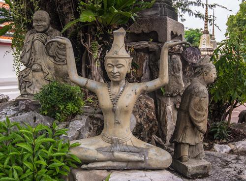 Posągi pustelników Wat Pho Bangkok