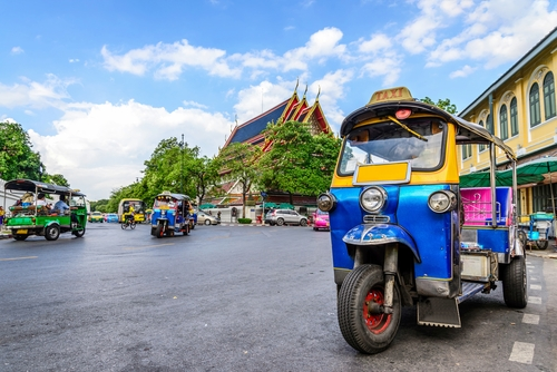 tuk-tuk Bangkok - przejazd przez miasto