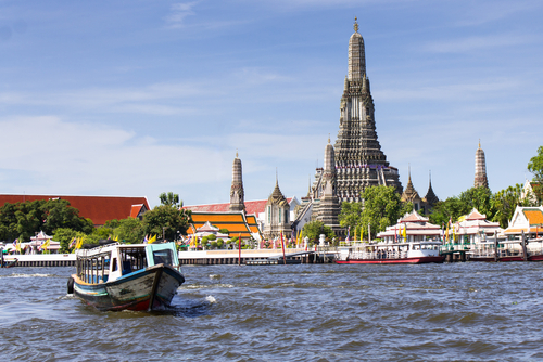 Wat Arun Bangkok Świątynia Jutrzenki leżąca w lewobrzeżnej części Bangkoku